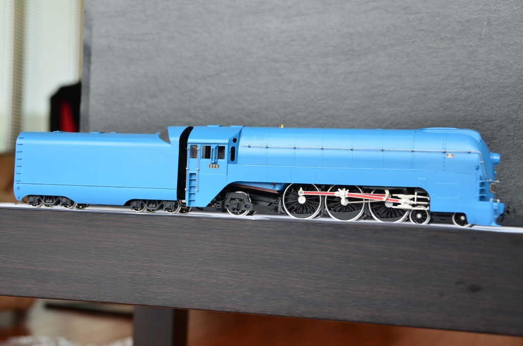 SL7 Streamlined Steam Locomotive HO-002/1