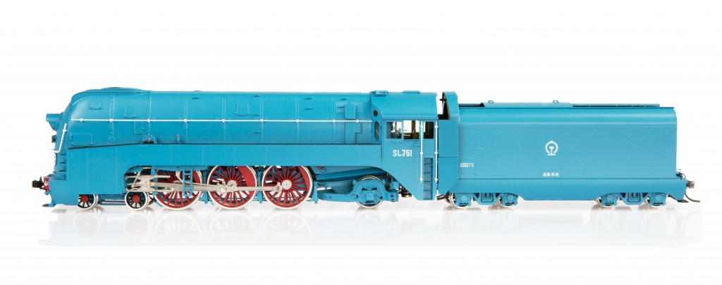 SL7 Streamlined Steam Locomotive HO-002