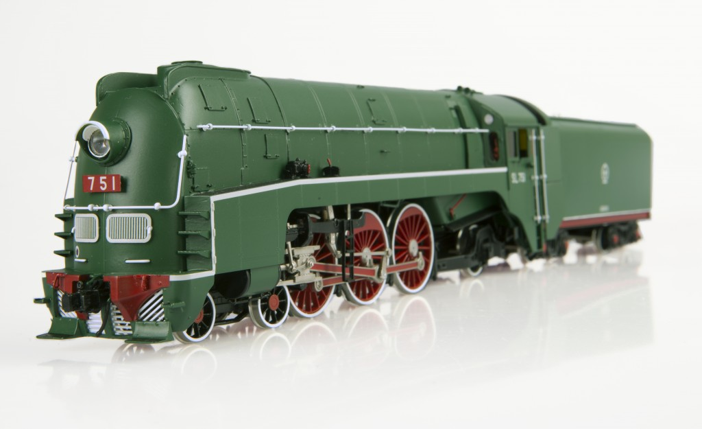 SL7 Streamlined Steam Locomotive HO-002/2