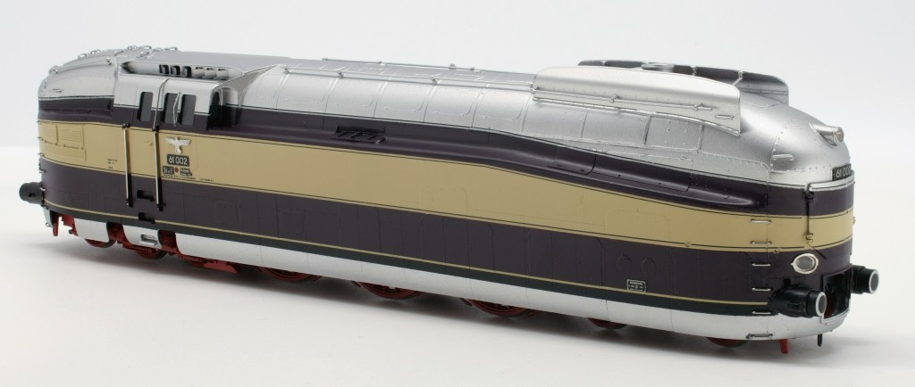 DRB BR 61 002 Streamlined Steam Locomotive<br/>HO-006/1