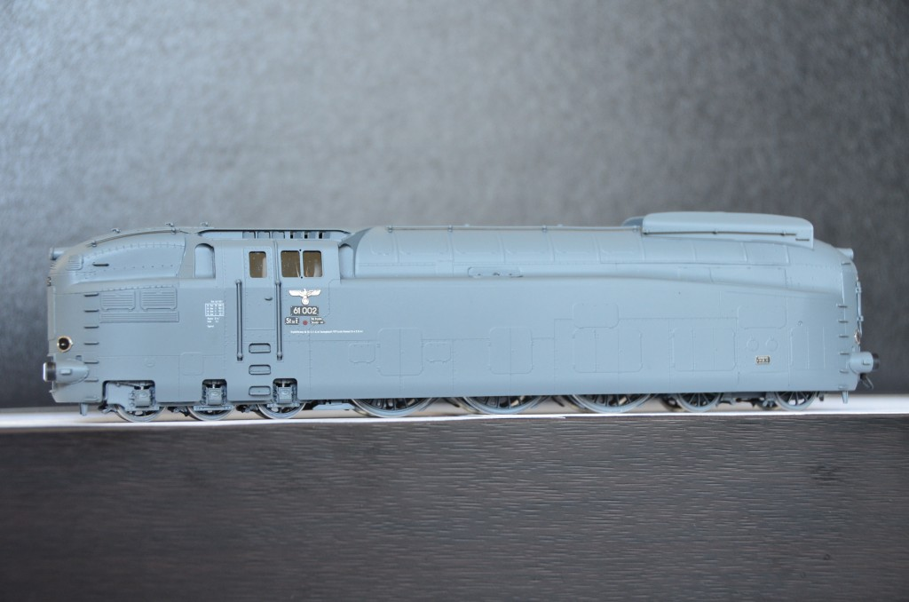 DRB BR 61 002 Streamlined Steam Locomotive<br/>HO-006/3