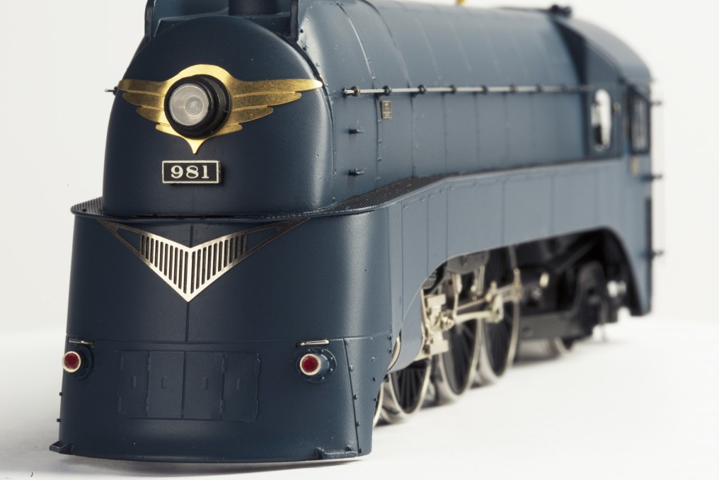 Pashina 981 Streamlined Steam Locomotive HO-016