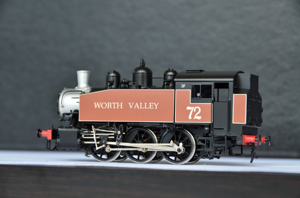 WORTH VALLEY #72 0-6-0 Preserved Steam Locomotive HO-026